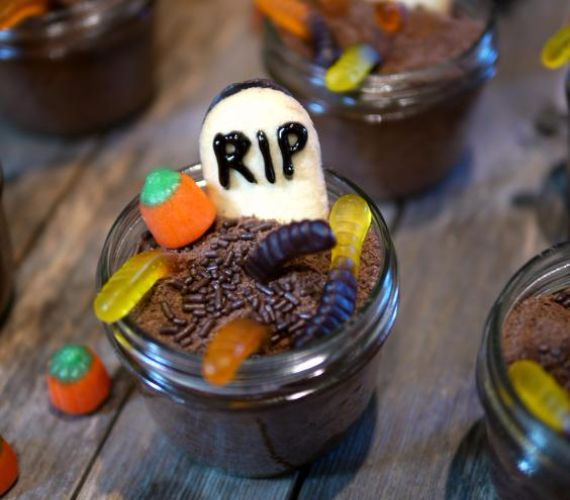 Best Halloween Decorating Ideas for Your Holiday Home (2)