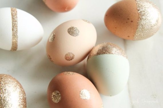 Creative Easter Decorations In Black, White And Gold (3)