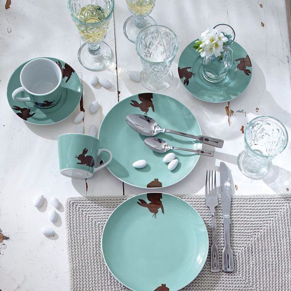 Creative Easter Table Setting Ideas In Blue And White (2)