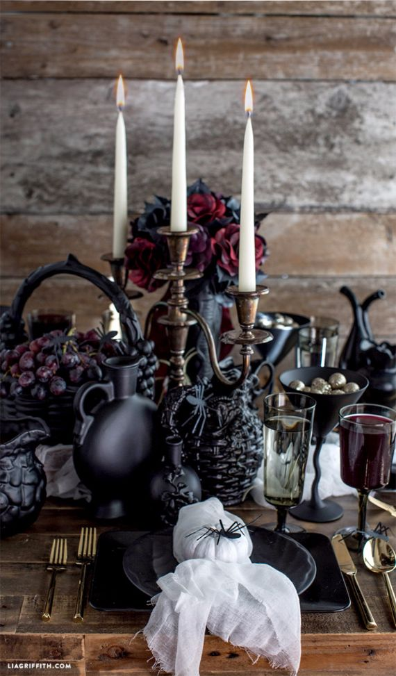 Elegant Gothic, Ghastly & Gory Halloween Decorations (1)