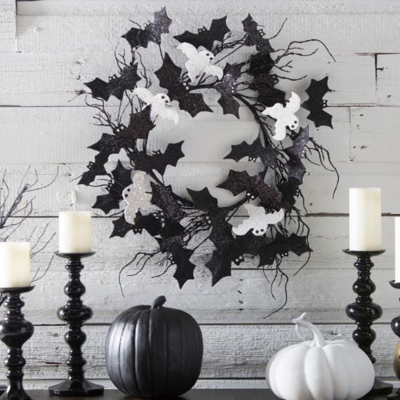 Elegant Gothic, Ghastly & Gory Halloween Decorations (12)