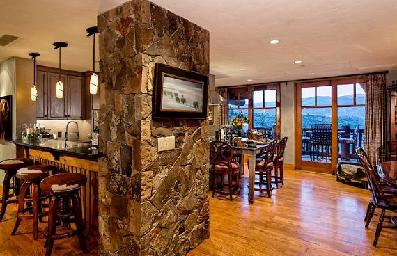 Holiday Retreat in West Wing Ritz-Carlton At Beaver Creek Mountain  Ski in Colorado  (16)
