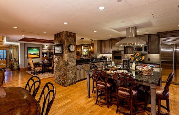 Holiday Retreat in West Wing Ritz-Carlton At Beaver Creek Mountain  Ski in Colorado  (18)