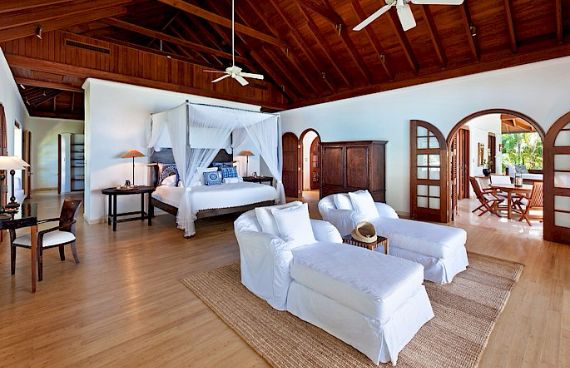 Attractive Beachfront Villa on the West Coast of Barbados - Greensleeves (5)