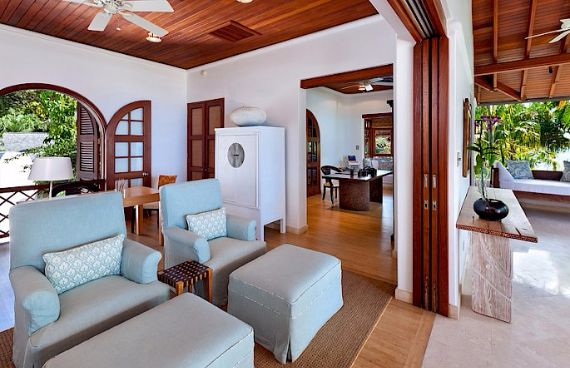 Attractive Beachfront Villa on the West Coast of Barbados - Greensleeves (8)