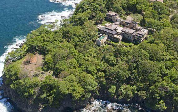Green Contemporary Vacation Home in Costa Rica Villa Manzu (3)