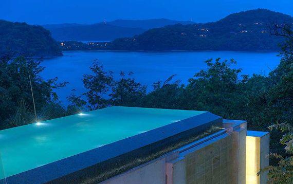 Green Contemporary Vacation Home in Costa Rica Villa Manzu (5)