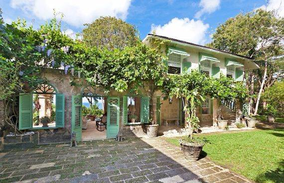 Highly Inviting Fustic House Private Estate in Barbados (32)