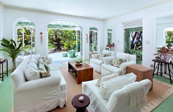 Highly Inviting Fustic House Private Estate in Barbados (38)