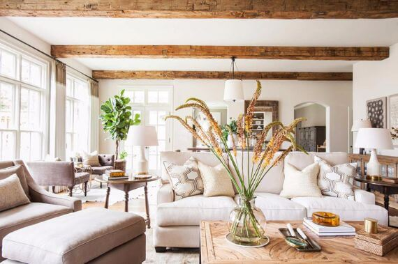 Pretty Classic In Beige Tones In Texas Vacation Home (1)