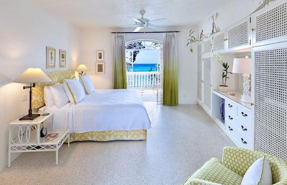Spacious Jewelry in Barbados Crystal Springs Home  (17)