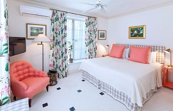 Spacious Jewelry in Barbados Crystal Springs Home  (18)