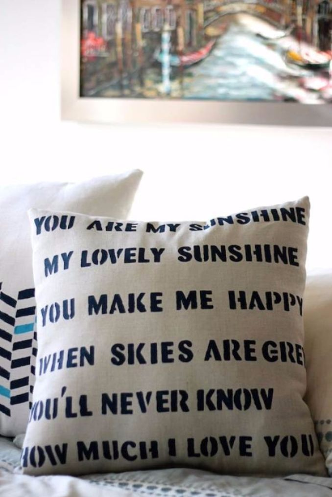 11 Easy decorative Handmade Appealing Printed Pillow Ideas (1)