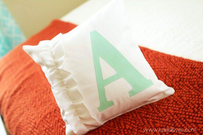 11 Easy decorative Handmade Appealing Printed Pillow Ideas