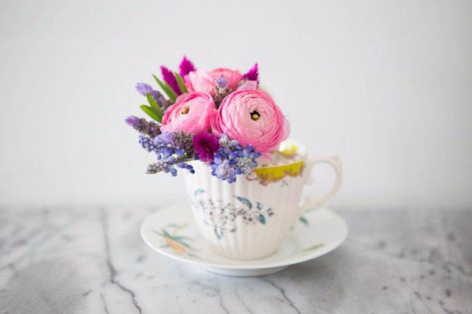 50 Stylish And Inspiring Flower Arrangement Centerpieces and Table Decoration Ideas (16)