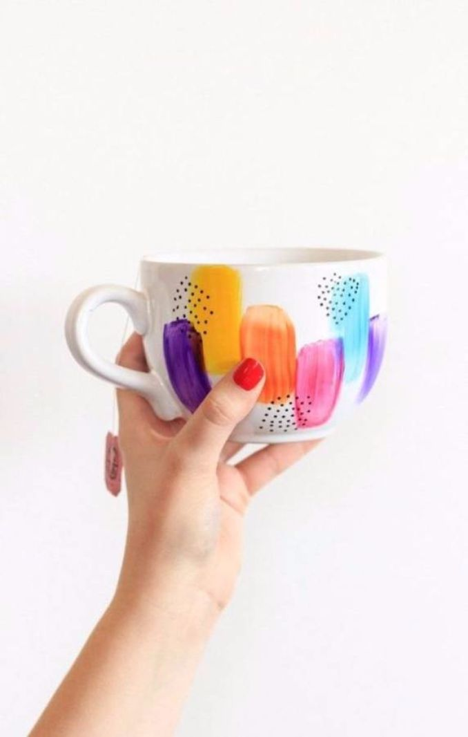 DIY Painted Mug Gift Idea That Won't Wash Away