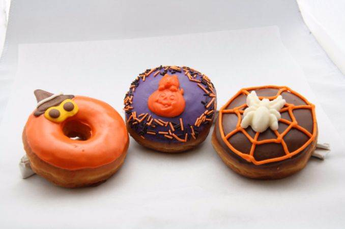 Easy Halloween Donut Treats (39)