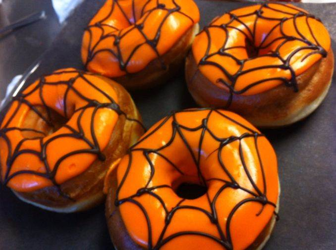 Easy Halloween Donut Treats (40)