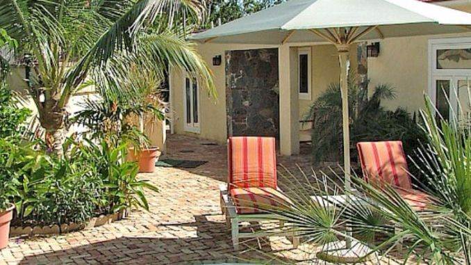 Relaxation-Overflow-Caneel-Trailside-Rental-Cottage-in-St.-Jhon-172
