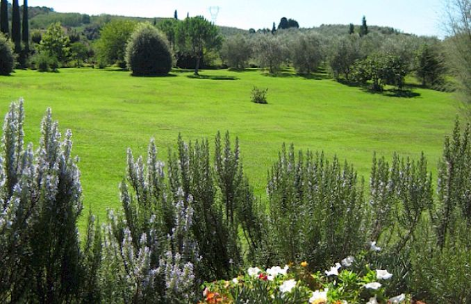 Vittoria -Breathtaking Antique Villa at Italian Countryside (14)