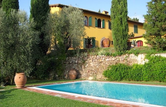 Vittoria -Breathtaking Antique Villa at Italian Countryside (6)