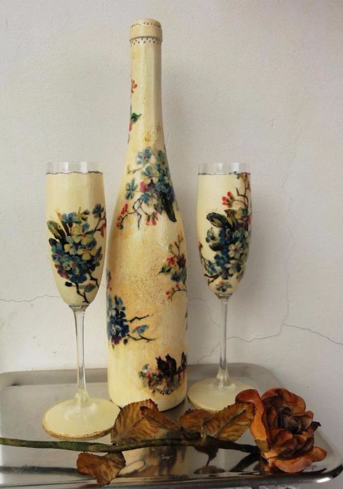 decorate Glass bottles with Decoupage (10)