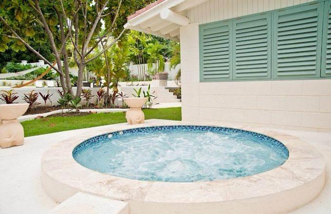 Capri Manor Gibbs Beach In Barbados (7)