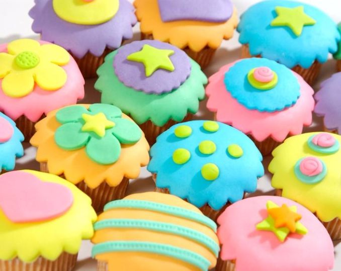 Gorgeous Baby Shower Cakes And Cupcakes Decorating Ideas (1)