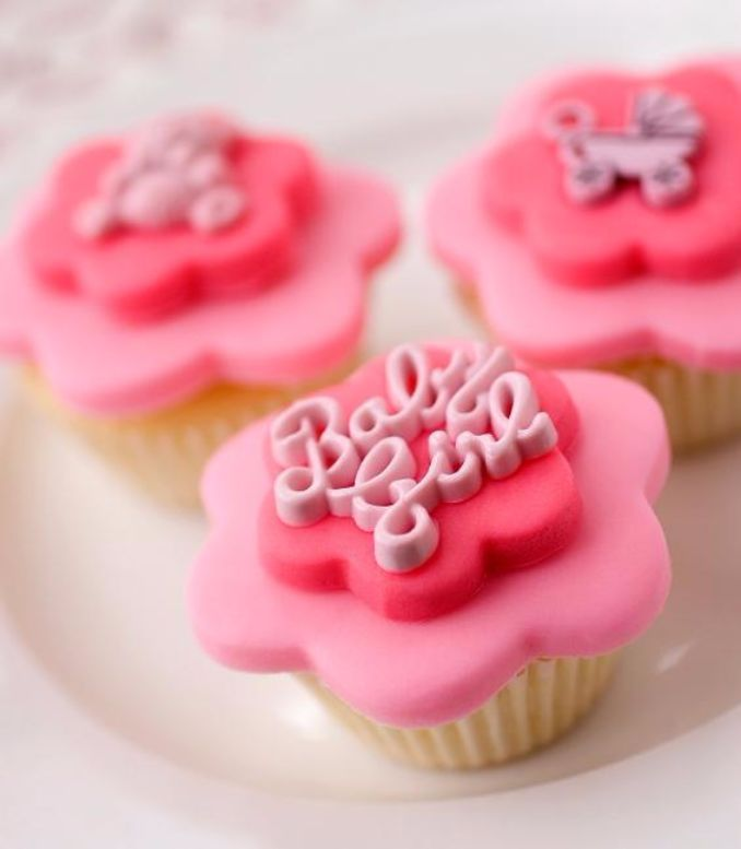 Gorgeous Baby Shower Cakes And Cupcakes Decorating Ideas (15)