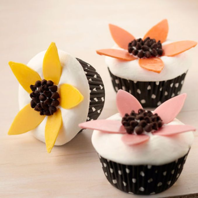 Gorgeous Baby Shower Cakes And Cupcakes Decorating Ideas (4)