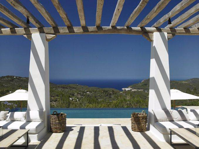 Magnificent Mediterranean villa in Ibiza (1)