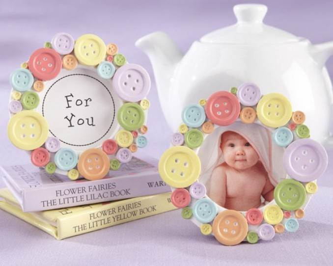 Creative DIY Craft Decorating Ideas Using Colorful Buttons (15)