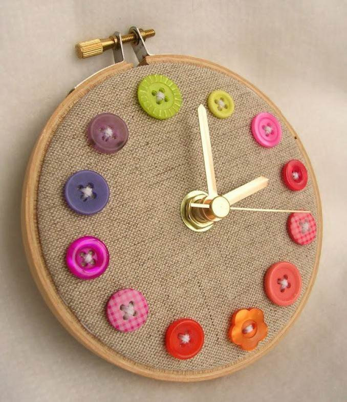Creative DIY Craft Decorating Ideas Using Colorful Buttons (18)