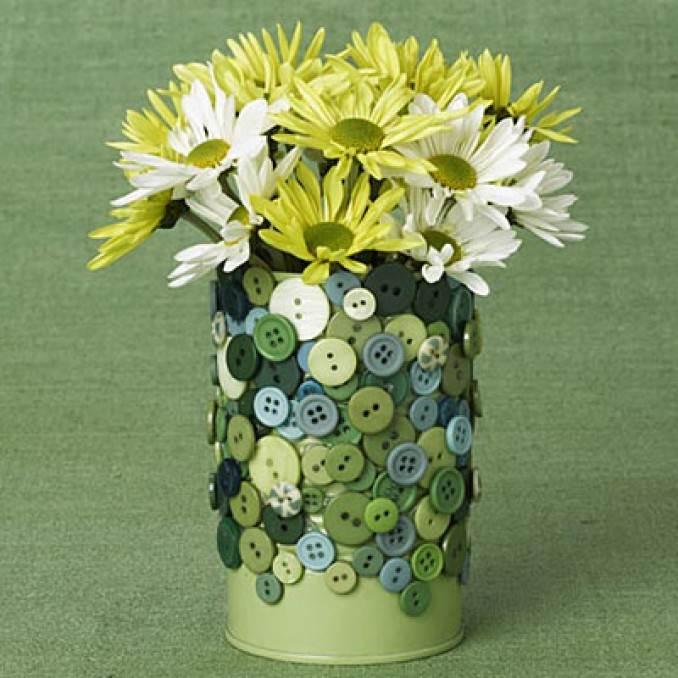 Creative DIY Craft Decorating Ideas Using Colorful Buttons (36)