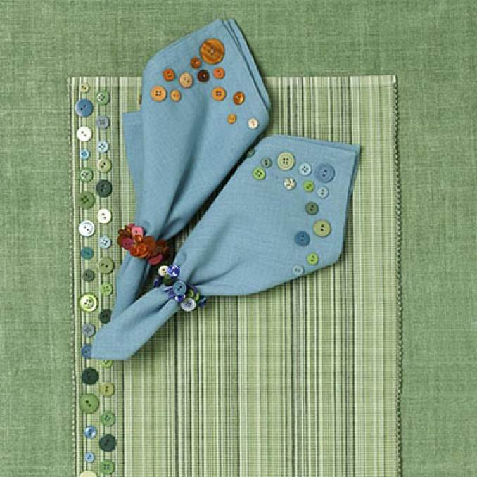 Creative DIY Craft Decorating Ideas Using Colorful Buttons (40)