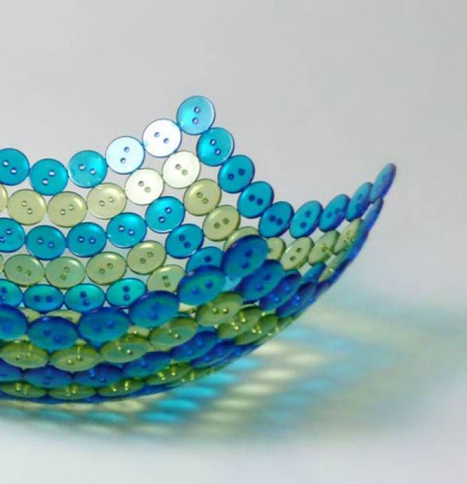 Creative DIY Craft Decorating Ideas Using Colorful Buttons (64)