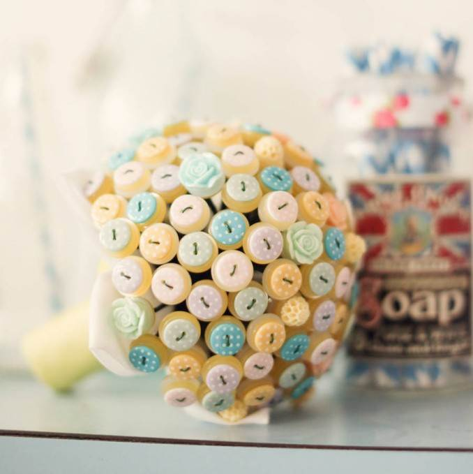 Creative DIY Craft Decorating Ideas Using Colorful Buttons (82)