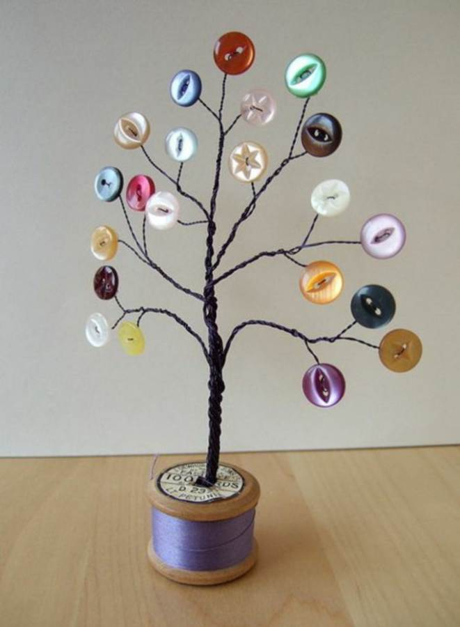Creative DIY Craft Decorating Ideas Using Colorful Buttons (9)