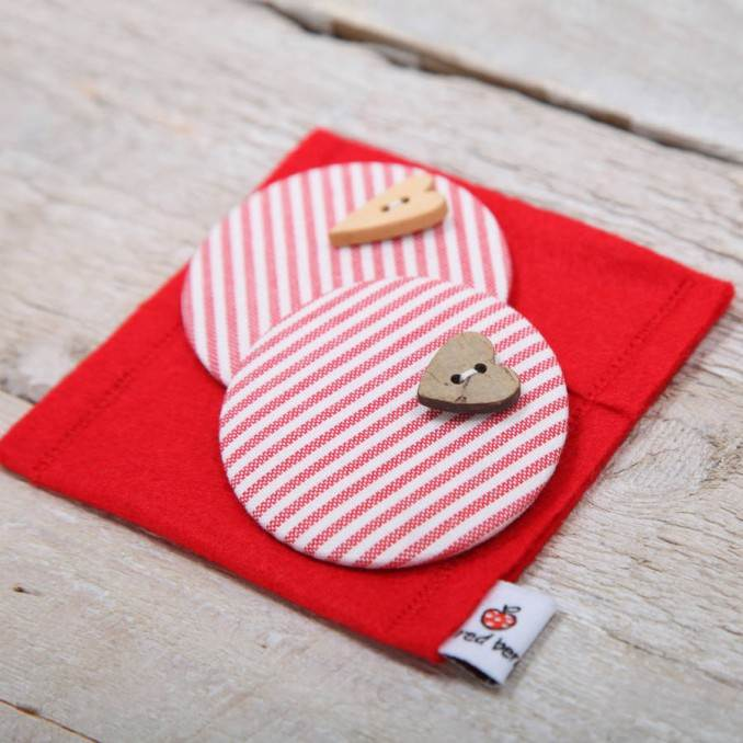 Creative DIY Craft Decorating Ideas Using Colorful Buttons (96)