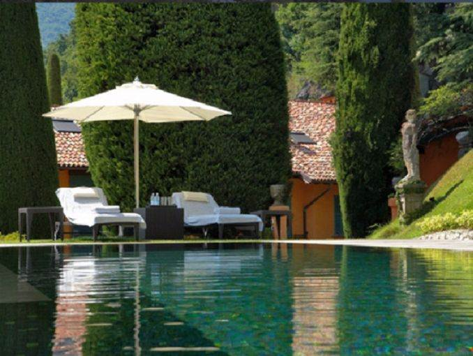 Delightful Villa On Lake Como Italy (12)