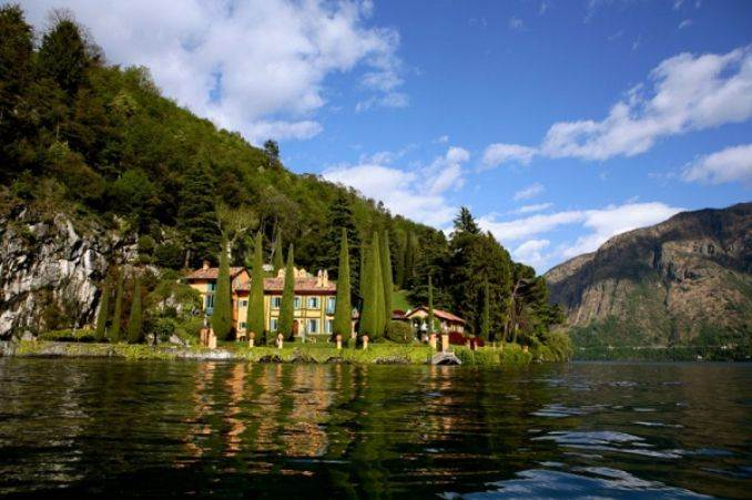 Delightful Villa On Lake Como Italy (15)