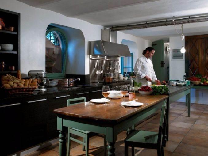 Delightful Villa On Lake Como Italy (21)