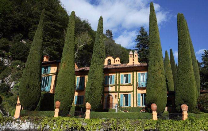 Delightful Villa On Lake Como Italy (27)