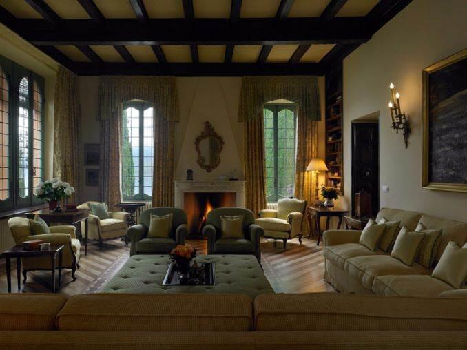Delightful Villa On Lake Como Italy (30)