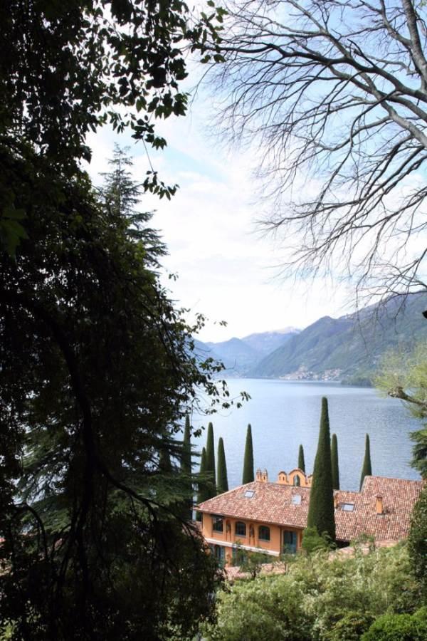 Delightful Villa On Lake Como Italy (34)