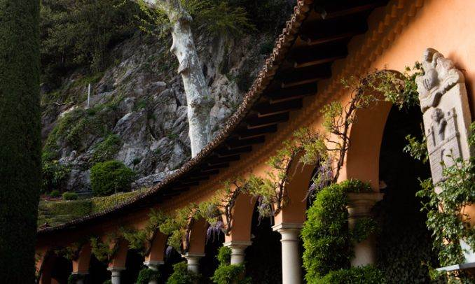Delightful Villa On Lake Como Italy (35)