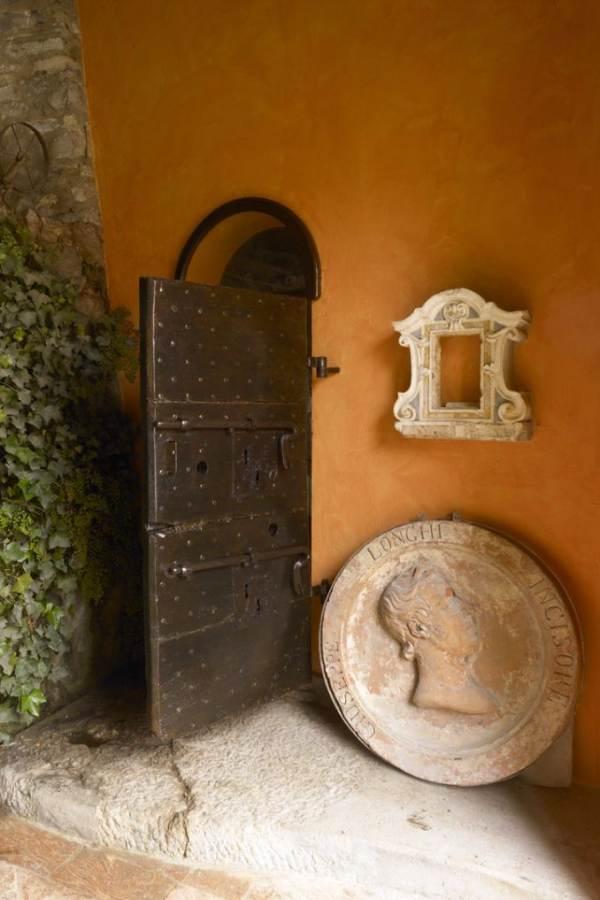 Delightful Villa On Lake Como Italy (36)