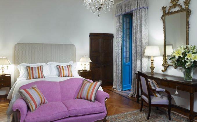 Delightful Villa On Lake Como Italy (38)