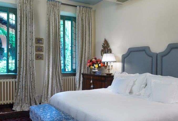 Delightful Villa On Lake Como Italy (39)