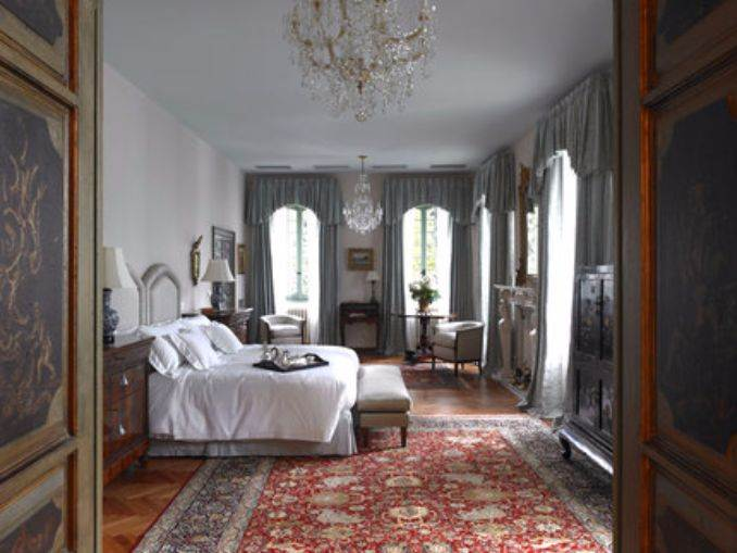 Delightful Villa On Lake Como Italy (49)